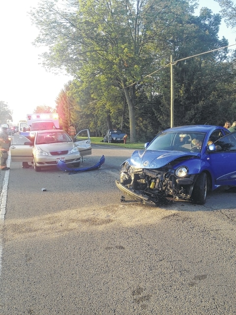 Four people suffered minor injuries in a three-vehicle traffic crash on State Route 41 Monday morning near the Miami Trace campus.