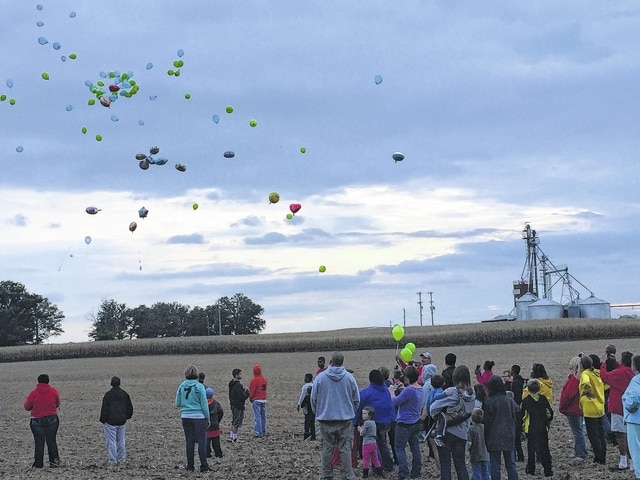 """Monday, Sept. 30 marked what would have been the 10th birthday of Braylon Harris, who perished tragically on the morning of Dec. 26, 2014 with his two brothers, 14-year old Kenyon and 11-year-old Broderick, and grandmother, 60-year-old Terry, in a house fire. Ricky and Traci Harris held a balloon release at their house with family, friends, and the community in honor of their son's birthday. """"Just tell everyone that we are very grateful,"""" Ricky said. """"We've just gotten so much support from the community and we are very thankful."""""""