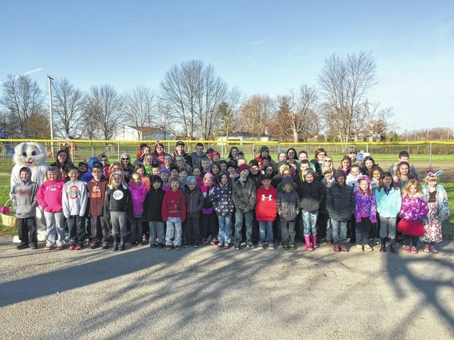 Members of the 4-H Fun Bunch and Little Clover Funny Bunch before the 2016 Easter Egg Hunt.