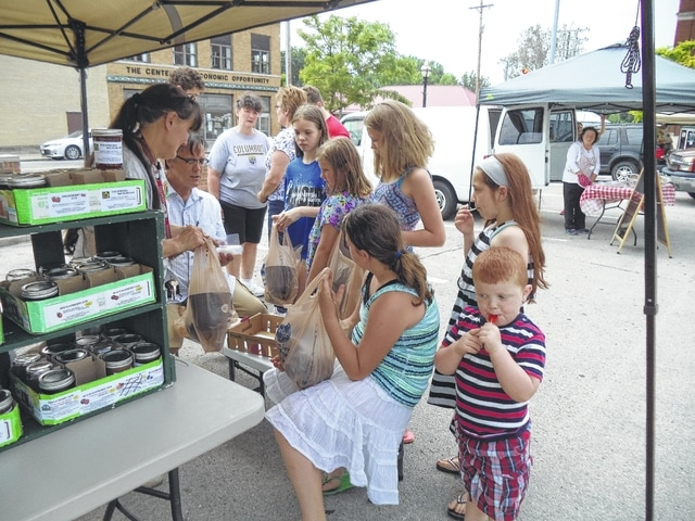 "The Carnegie Public Library ""Carnegie Youth Gardening 101 Club"" recently took a tour of the Fayette County Farmer's Market."