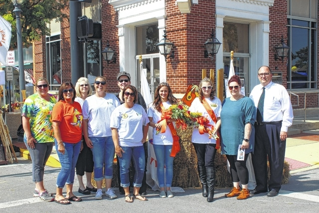 The 2016 Scarecrow Festival opened Friday with a short opening ceremony at noon where organizers, sponsors and others could be seen meeting with the first of the weekend's patrons.
