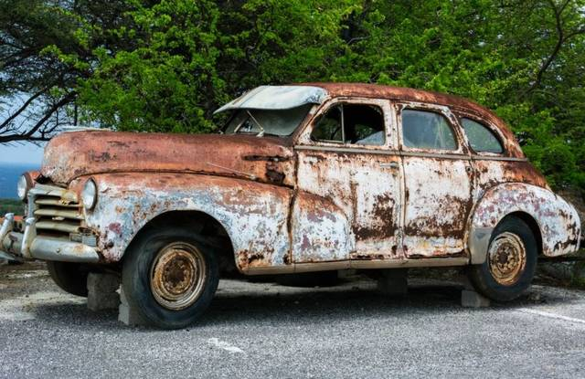 Ron Hackenberger has decided to let go of his dream for a museum to house his collection of rare and unusual old cars and trucks.