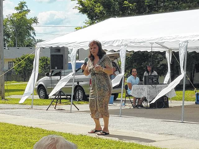 The sixth-annual Bloomingburg Community Day was held Saturday and residents from all over attended. Bloomingburg native Kathy Bee (Woodfork) performed during the afternoon for the village.