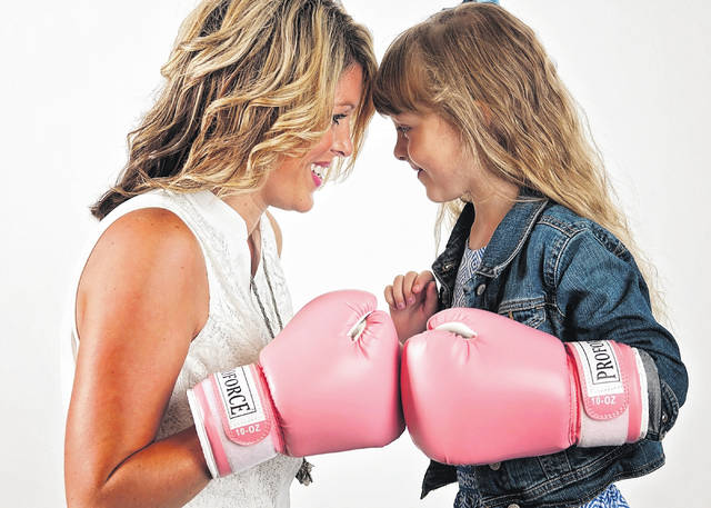 Ashley Karnes and her 6-year-old daughter, Brynlee.
