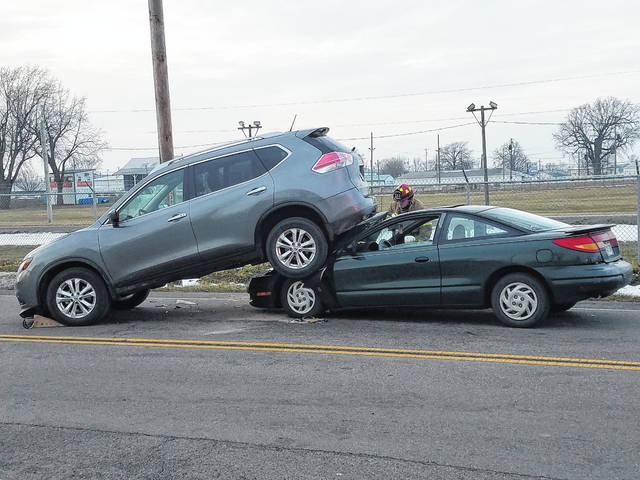 Two vehicles involved in a rear end collision on Leesburg Avenue Tuesday afternoon were towed from the scene. According to a Washington Police Department officer at the accident scene, there were three occupants between the two vehicles. Two people were potentially injured and were transported by Fayette County EMS. The Washington Fire Department also assisted at the scene.