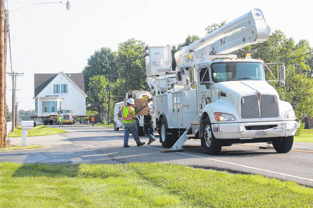 The historical Robinson-Pavey home started its move on Sunday from the intersection of State Route 41, Clinton Avenue, Leesburg Avenue and Court Street in Washington Court House to its final home outside of the city on State Route 41.