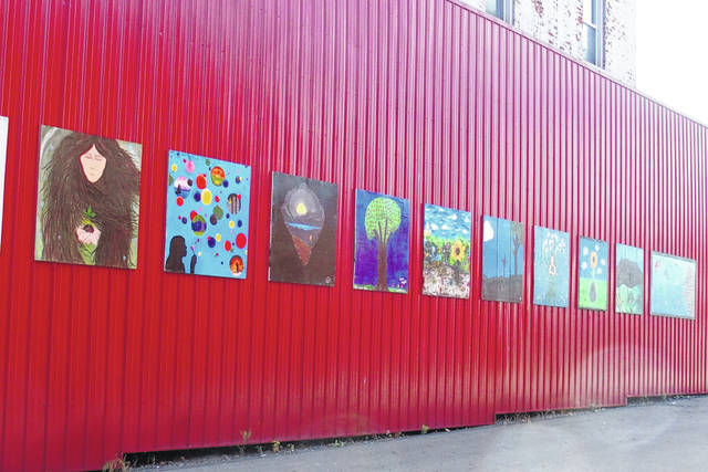 Art on the Square recently held a pop-up gallery at the Fayette County Farmers' Market.