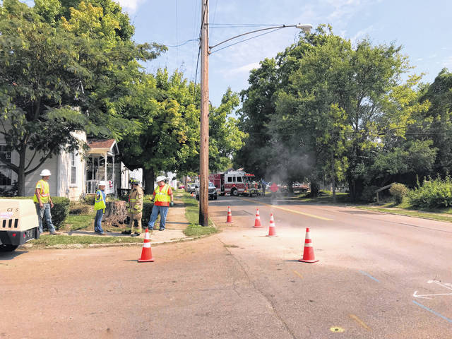 The Washington Fire Department blocked off part of West Elm Street near South Hinde Street Thursday afternoon after a gas line was punctured.